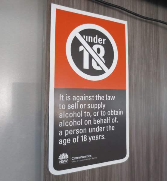 403_alcohol_sign_on_the_boat
