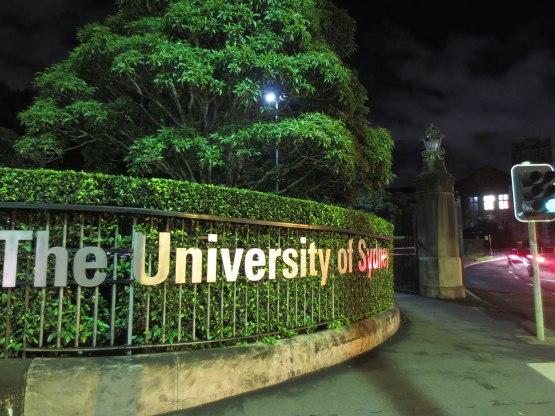 561_sydney_university_sign