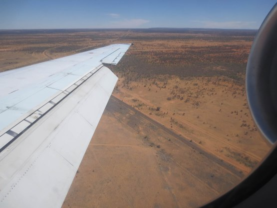 738_flying_into_alice_springs