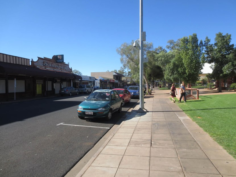 756_downtown_in_alice_springs