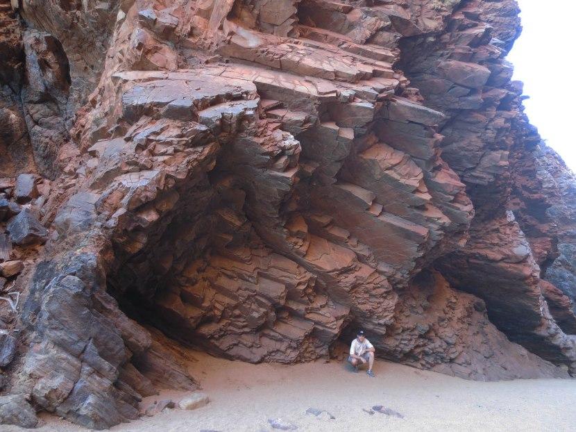 868_zack_crouching_near_rocks