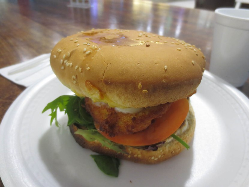 895_fried_chicken_sandwich
