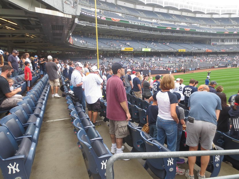 10_painfully_crowded_in_right_field_09_21_14
