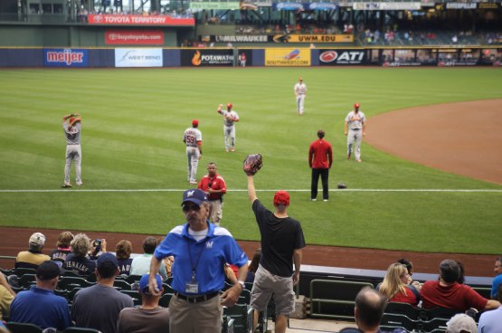 12_pregame_throwing_09_04_14