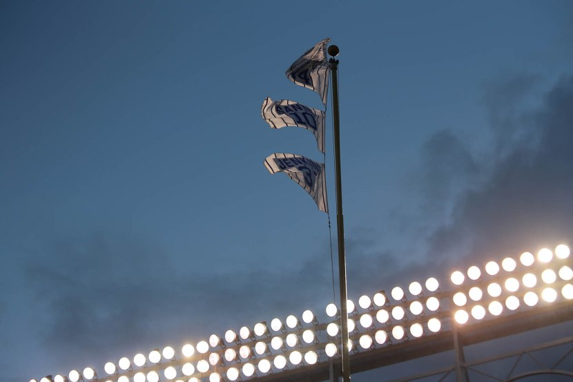 16_flags_and_lights