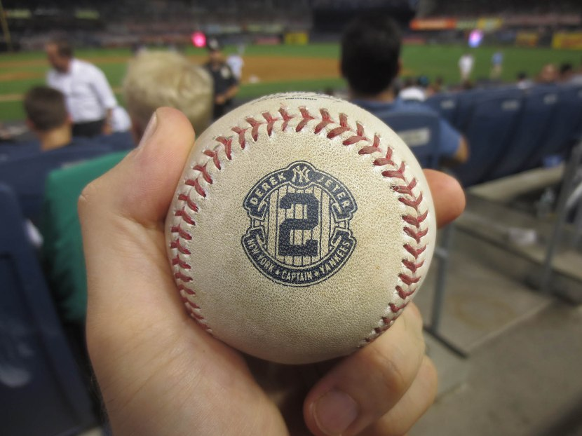 34_ball7712_ben_zobrist_groundout_tossed_by_stephen_drew_in_the_middle_of_the_9th_inning