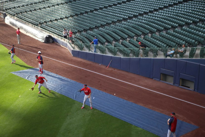 4_zack_left_field_foul_line_09_04_14