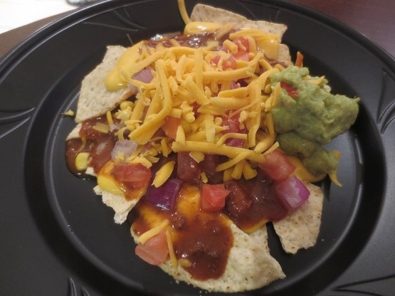 17_chips_with_chili_and_toppings