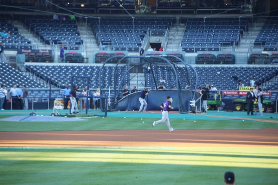 22_charlie_blackmon_taking_bp