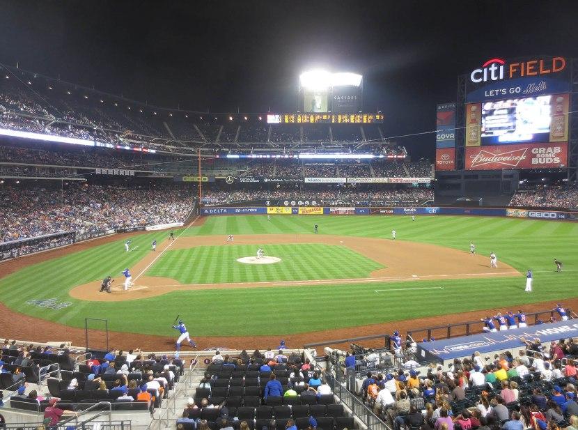54_tony_sipp_pitching_to_lucas_duda