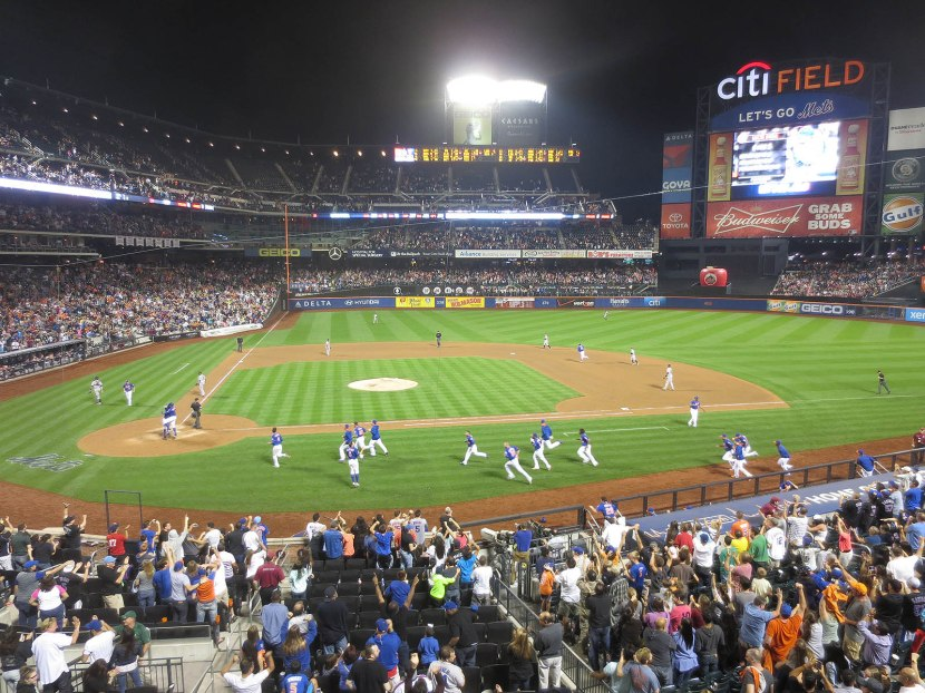 55_walkoff_home_run_off_the_right_field_foul_pole