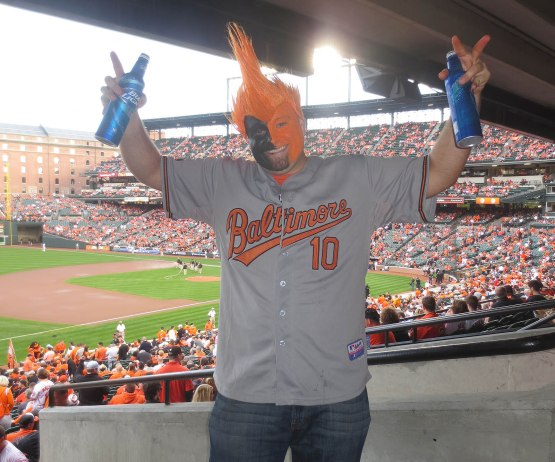 8b_orioles_fan_with_face_paint