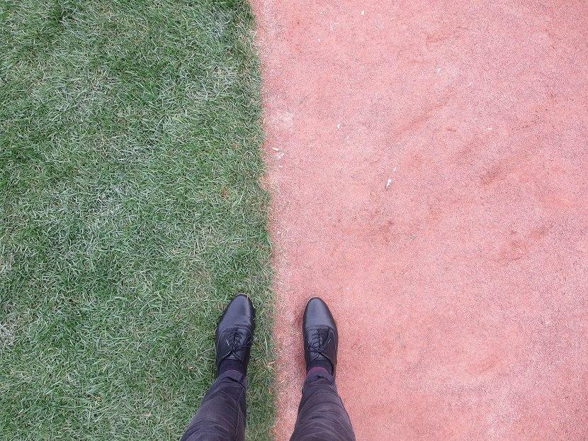 14_hayley_feet_on_field
