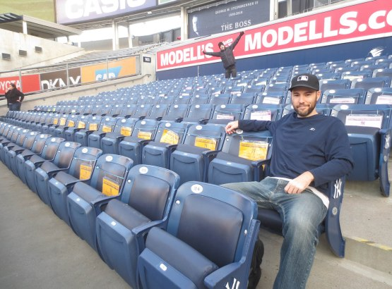 38_zack_in_right_field_seats