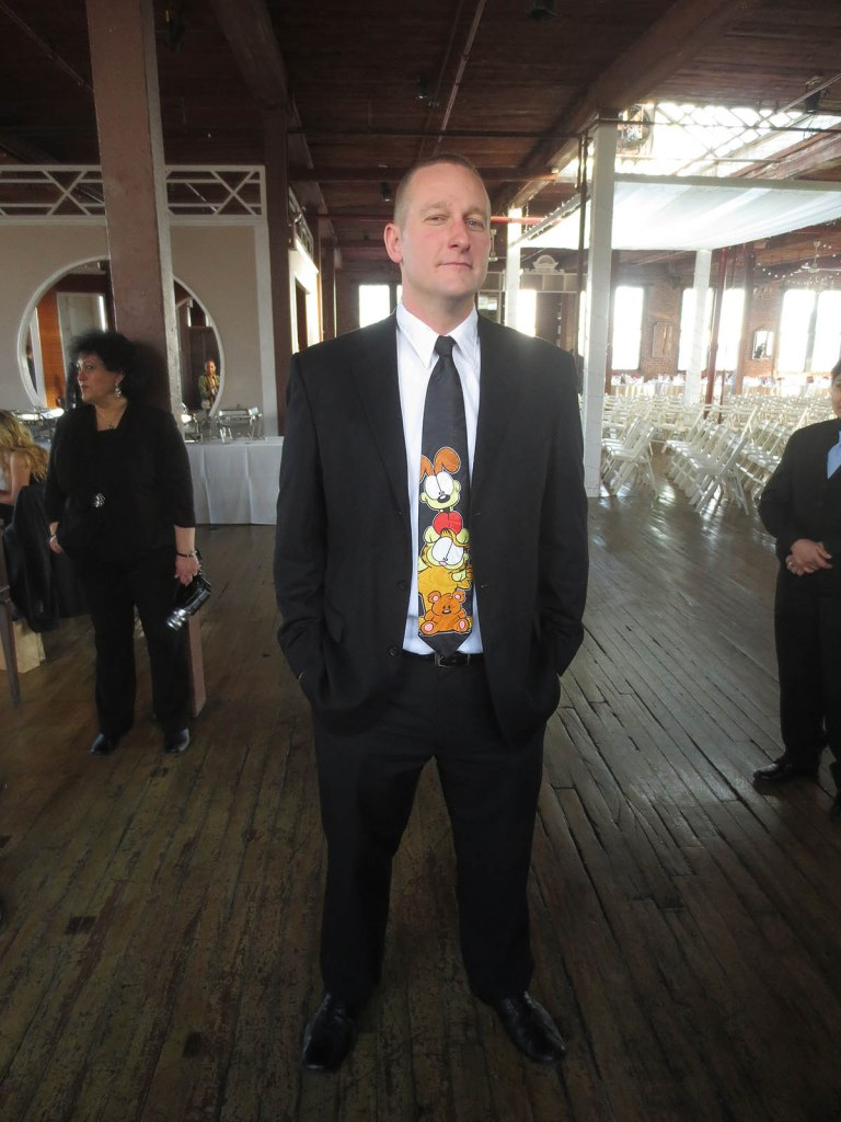 32_tom_and_his_garfield_tie