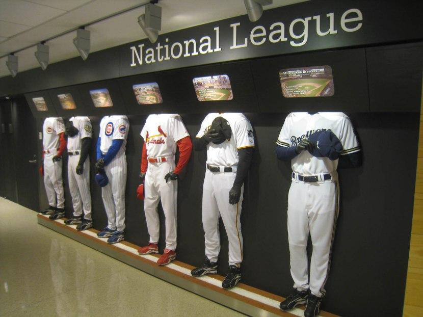 12_national_league_central_uniforms