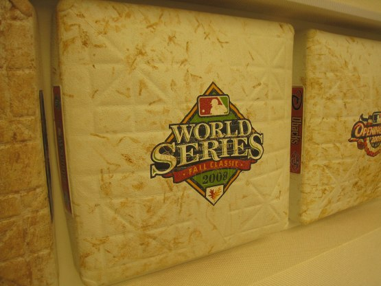 15_base_from_the_2008_world_series