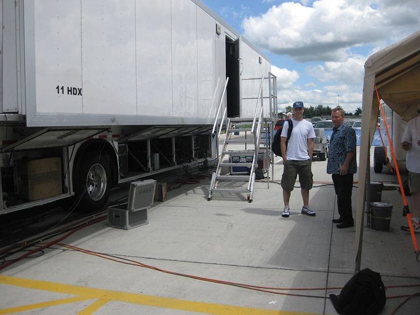 7_zack_kevin_outside_truck