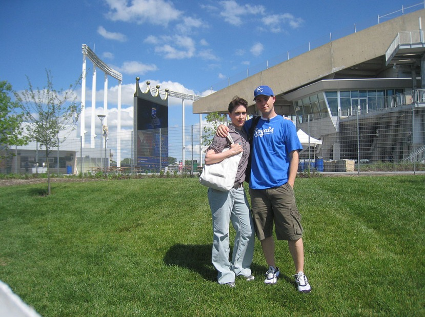 8_jona_zack_outside_kauffman