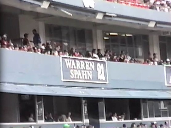 14_retired_number_warren_spahn