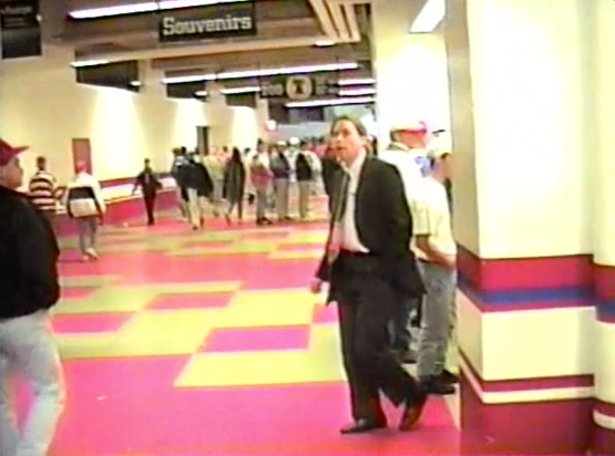 14_veterans_stadium_concourse