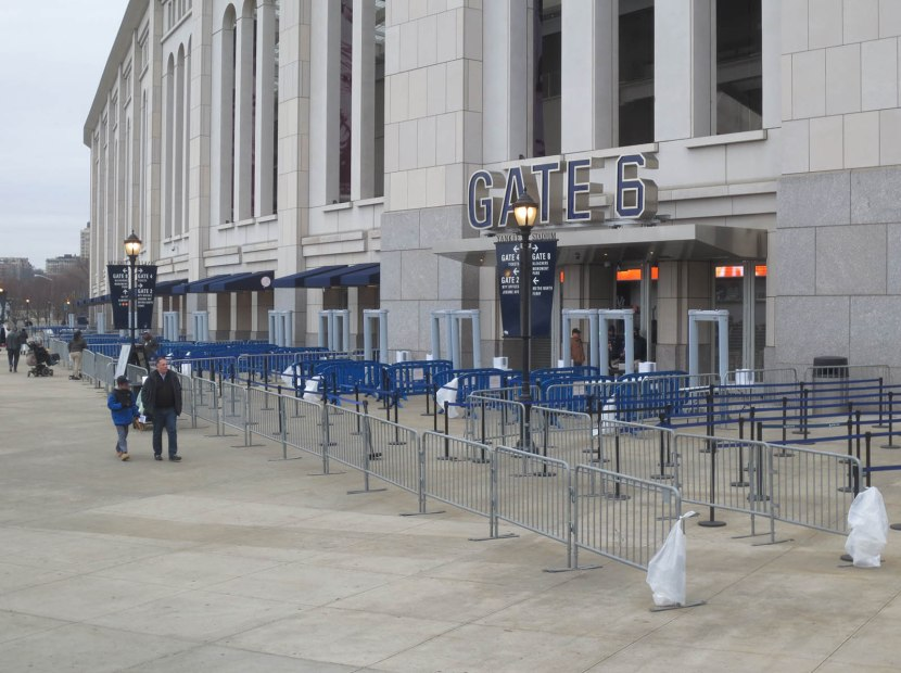 1_metal_detectors_outside_yankee_stadium_04_08_15