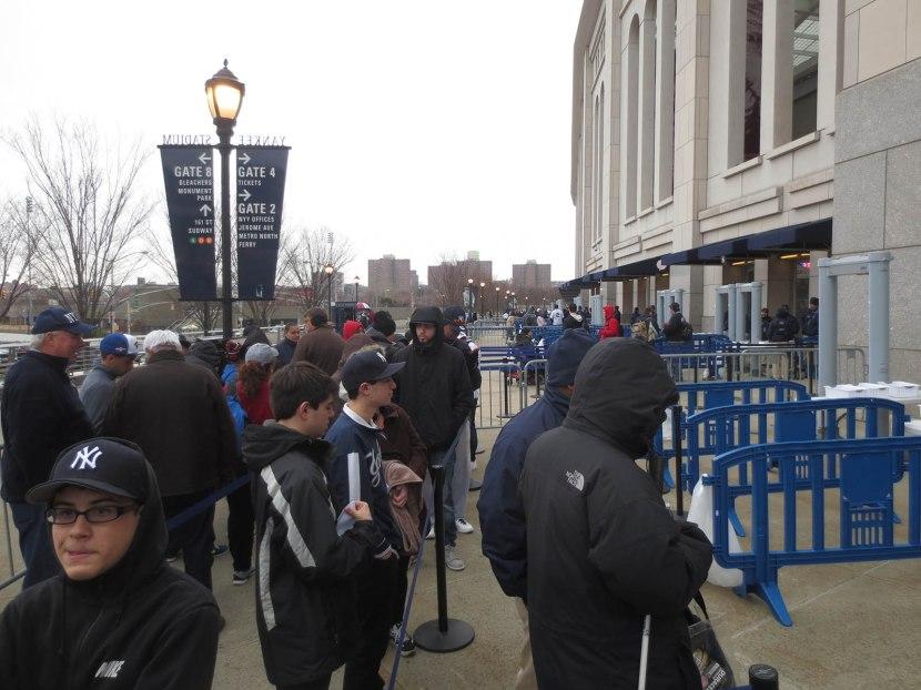 2_line_outside_the_stadium_04_08_15