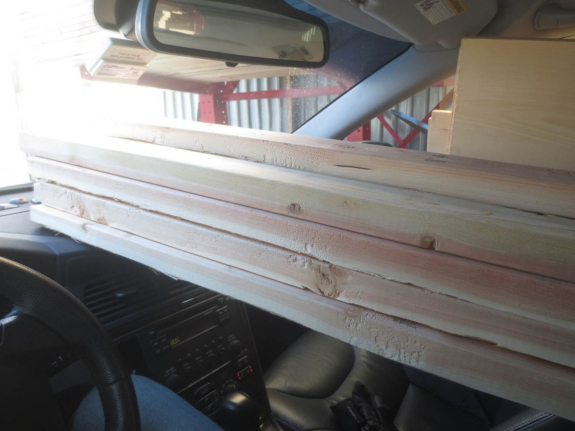 6_wood_on_the_dashboard