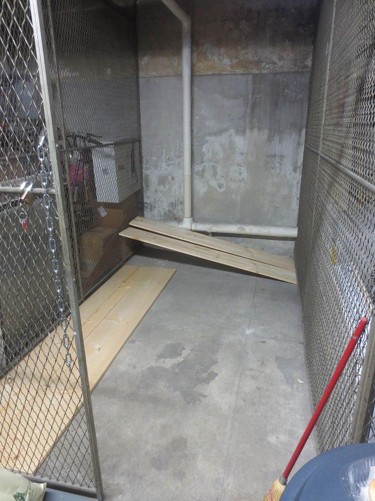 8_empty_storage_locker