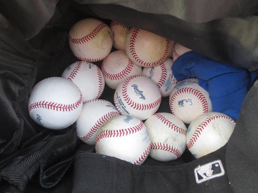 1_baseballs_in_backpack