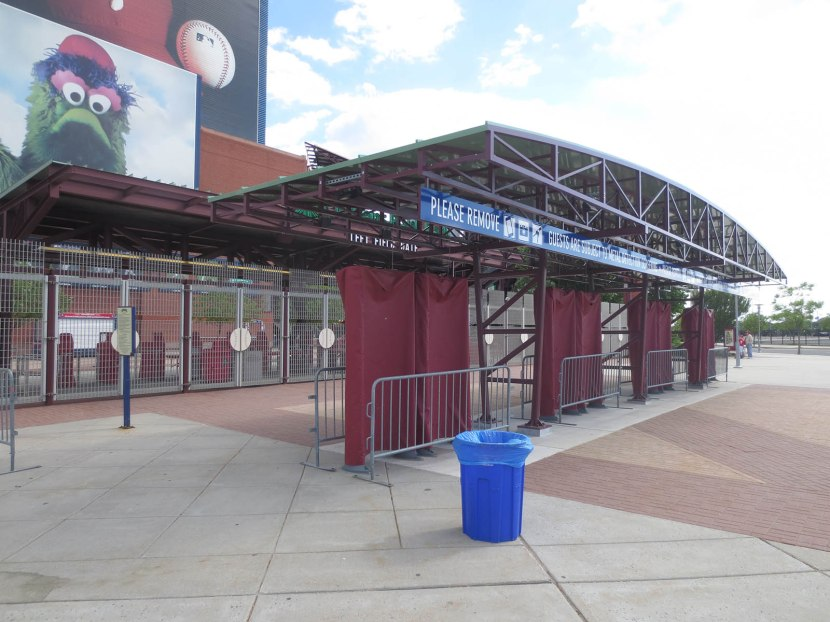 1_new_metal_detectors_at_citizens_bank_park
