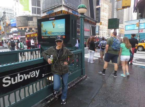 1_lisa_ann_in_times_square