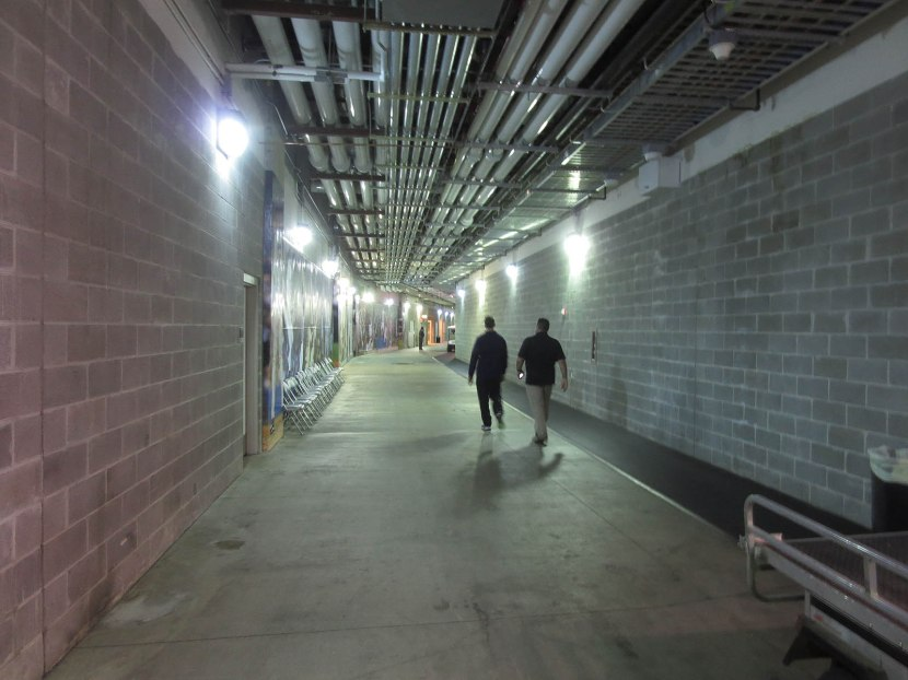 34_yankee_stadium_service_level_concourse