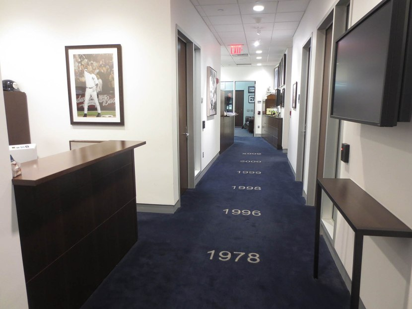 48_yankees_executive_office_hallway