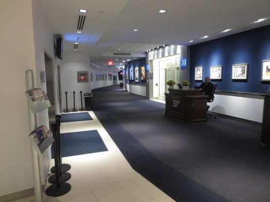 53_yankee_stadium_suite_level_concourse