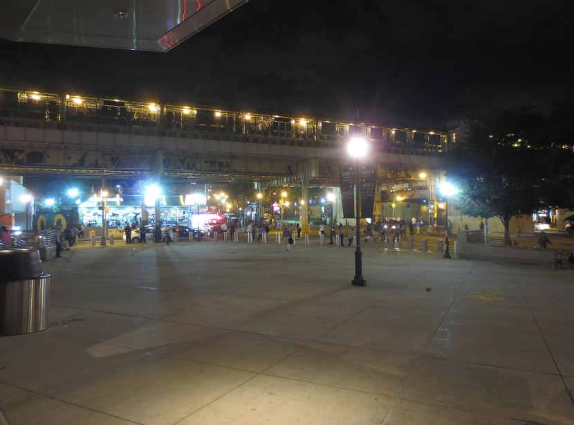 61_not_many_people_outside_yankee_stadium