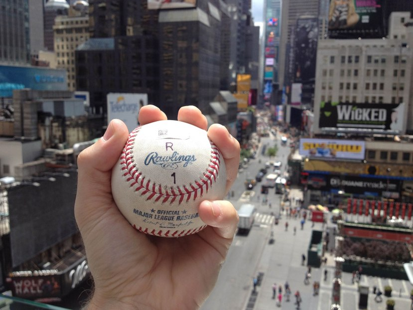 13_the_arod_ball_overlooking_times_square