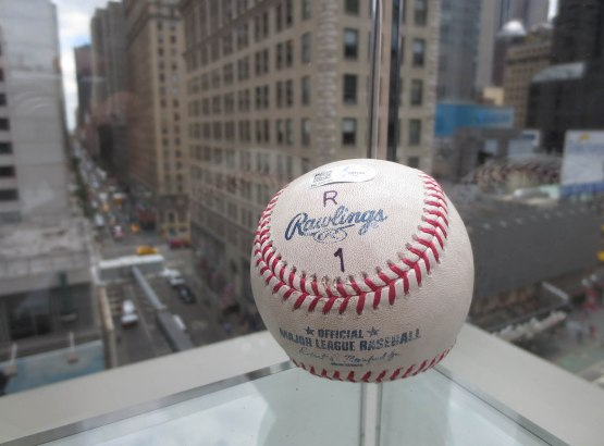 15_the_arod_ball_on_a_glass_shelf
