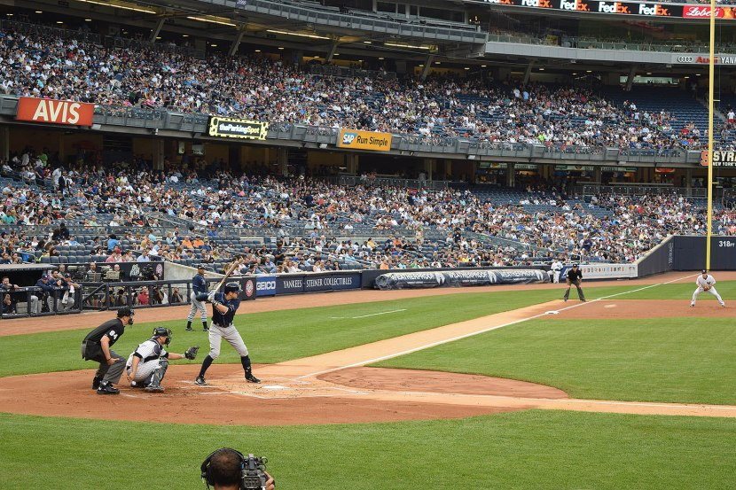 57_evan_longoria_at_bat