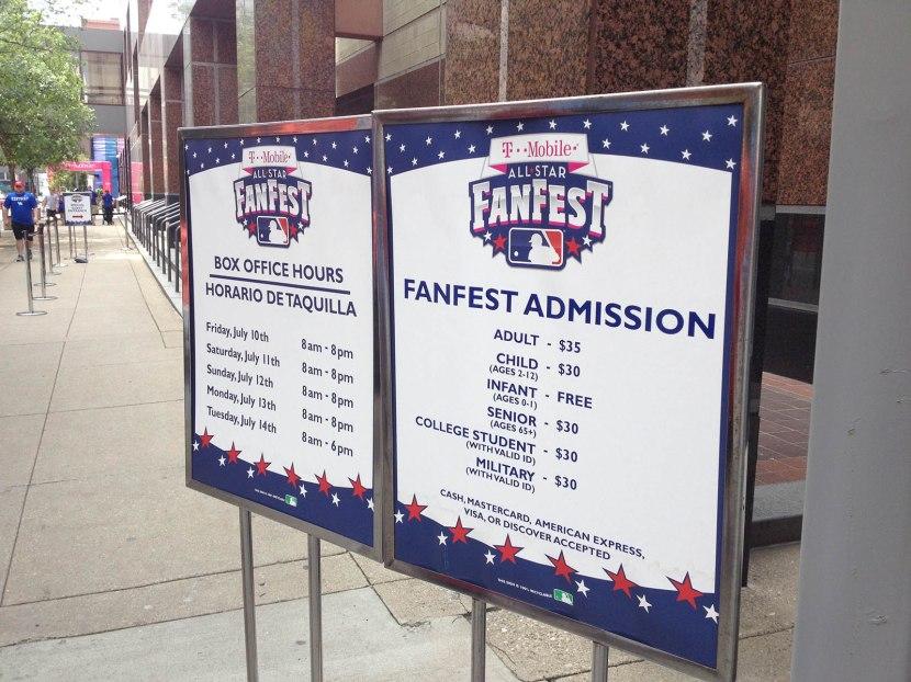 6_fanfest_2015_admission_sign