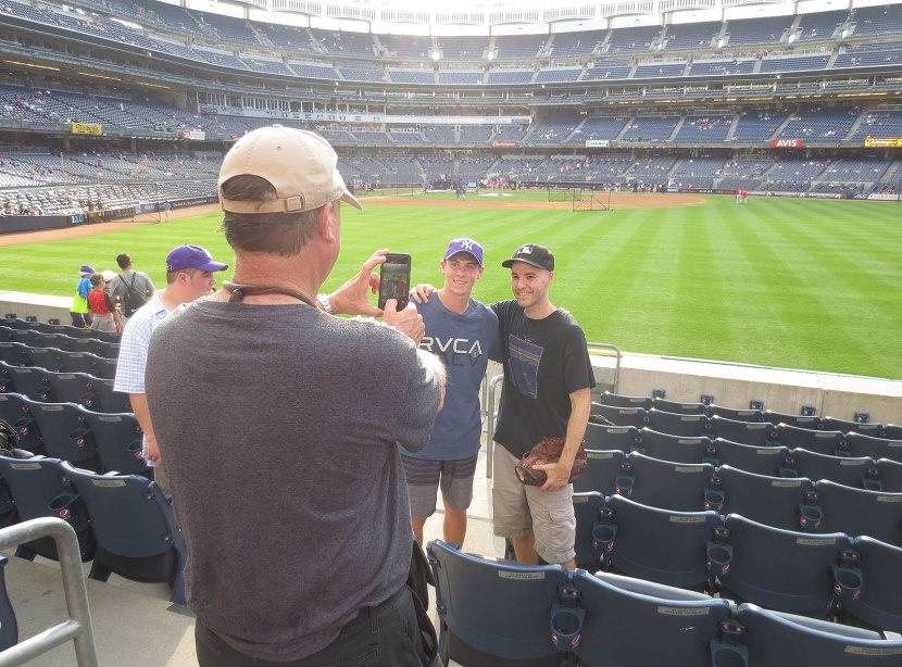 6_zack_posing_for_photos_with_fans