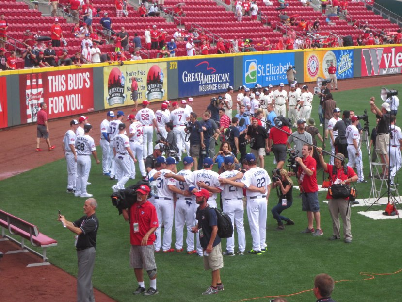 12_dodgers_all_stars_posing_for_a_group_photo