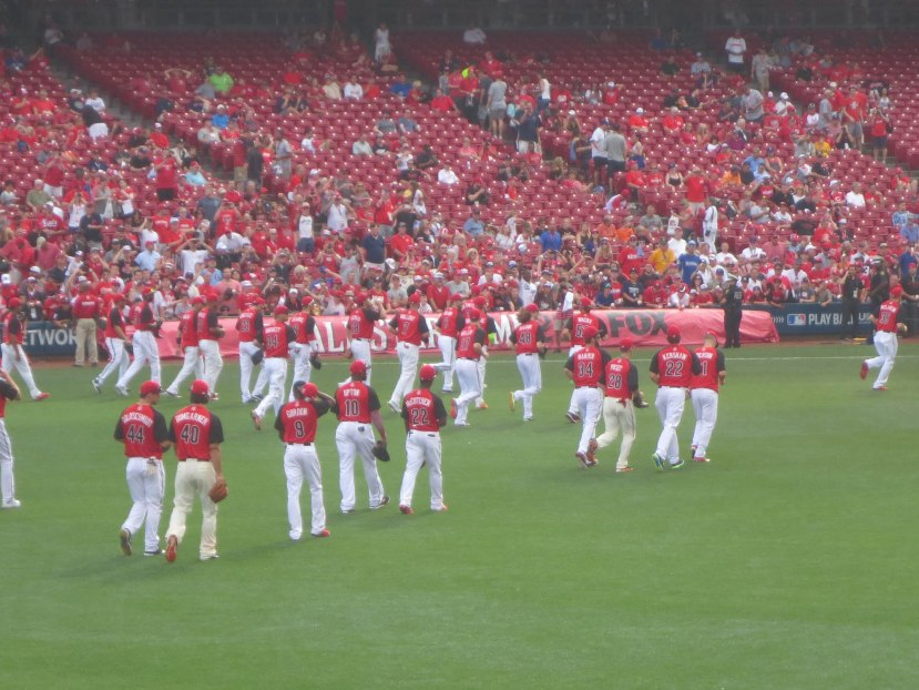 23_national_leaguers_jogging_off_the_field