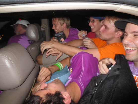 32_seven_people_in_the_car