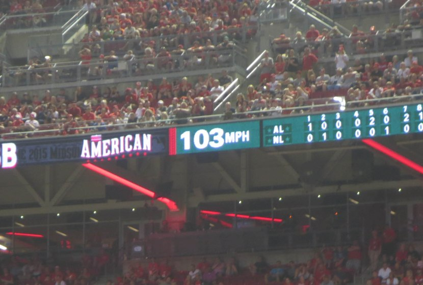 40_aroldis_chapman_throwing_103mph