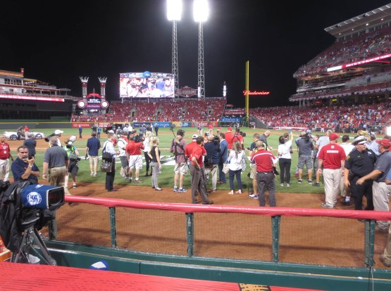 41_postgame_activity_on_the_field_07_14_15