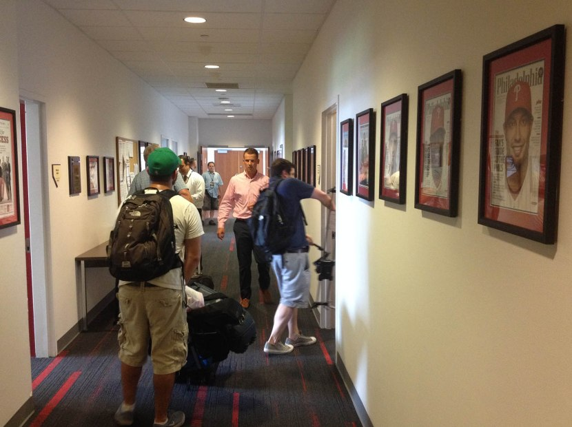 5_hallway_to_media_relations_workroom