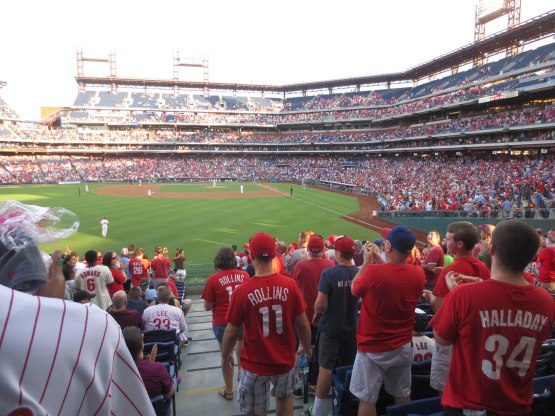 11_standing_ovation_for_jimmy_rollins_in_his_return_to_philadelphia