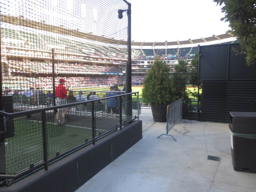 30_entrance_to_the_right_center_field_seats