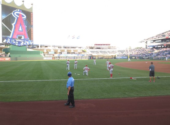 20_angels_warming_up_before_the_game